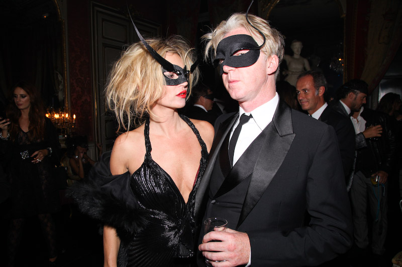 Halloween Vogue-Paris-90th-Anniversary-Masked-Ball-Paris-30th-of-Sept-2010-4