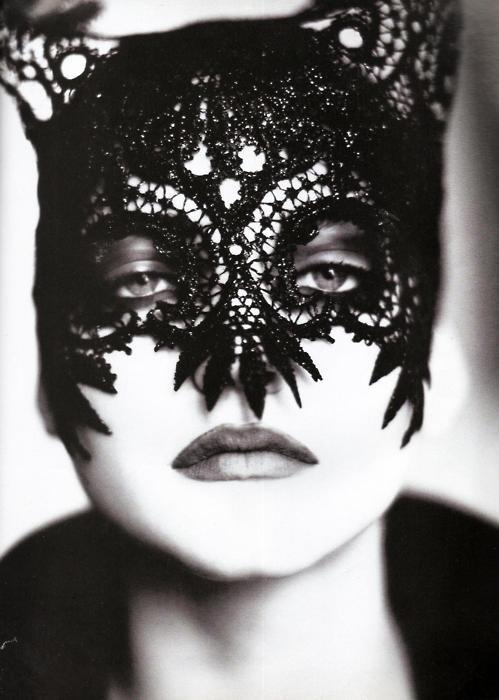 vogue halloween couture look for fashionista nolita hearts lace black cat halloween mask