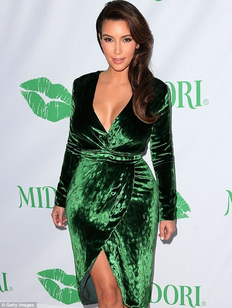 kim-kardashian-and-gucci-fall-velvet green velvet holiday party dress