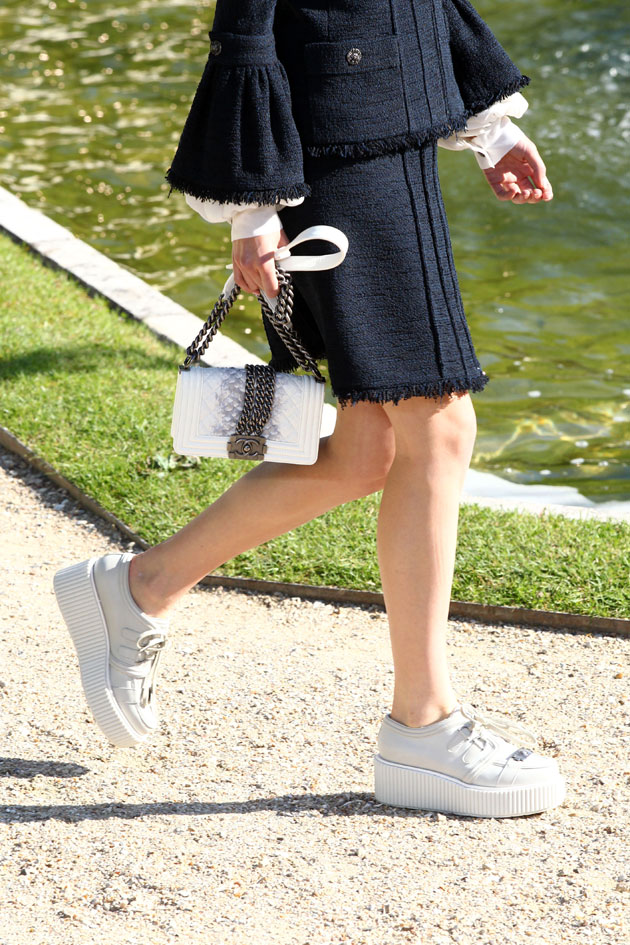 10 winter white chanel creeper street style looks that rock