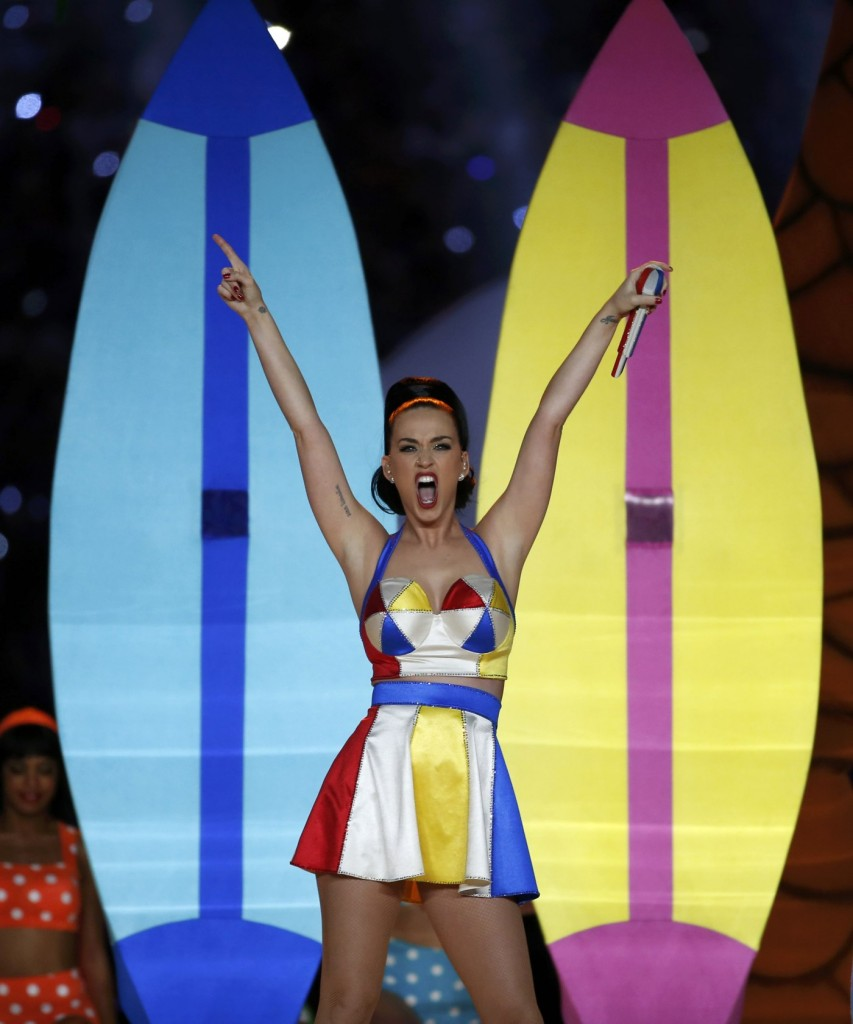 What katy perry wore at the half time superbowl concert in arizona