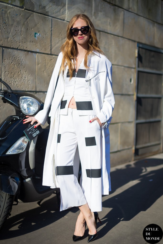 chiara ferragni the blonde salad dashing between fashion shows in paris