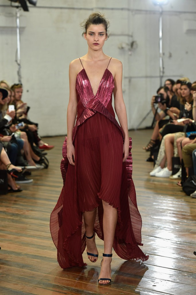 Michael-Lo-Sordo-Runway-2015-MBFWA-Australian-Fashion-Week maron long pleated dress